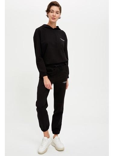 Defacto –Fit Organik Koton Yazı Baskılı Kapüşonlu Sweatshirt Siyah